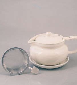 Teapot (Medium) with strainer